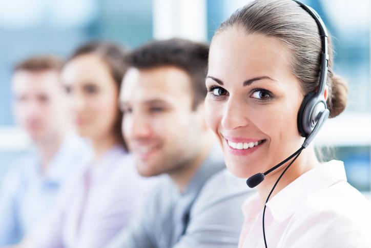téléoperatrice d'un centre d'appel banque populaire